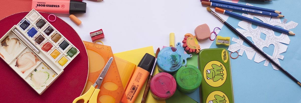 Materiales de pintura / Herramientas / Pegamentos